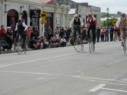 The penny farthing slow race