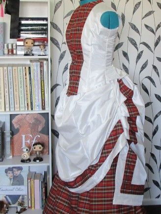 The unfinished bodice and the overskirt