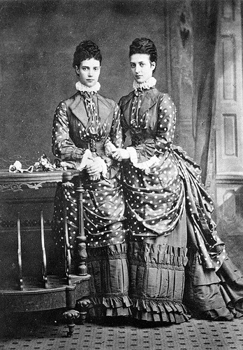 1873-piccadilly-london-of-queen-alexandra-with-her-sister-the-tsarina-marie-feodorovna