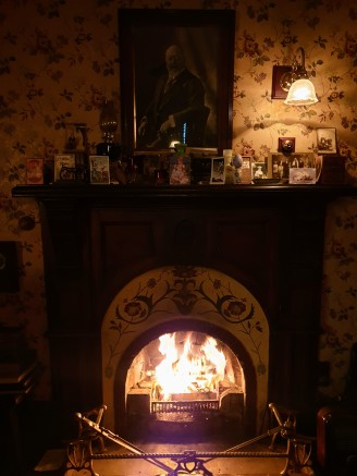 The fireplace in the parlour